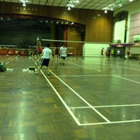Photo taken at Foo Chow Badminton Hall by Jay'26 on 7/6/2014