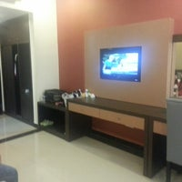 Photo taken at Grage Sangkan Hotel & Spa by Afo M. on 5/25/2013