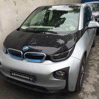 Photo taken at 上海宝诚中环BMW & Mini 4S   Shanghai Zhonghuan Baozen by Kurt S. on 5/28/2015