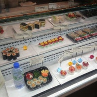 Photo taken at Sushi of Gari at The Plaza Hotel Food Hall by Sarah K. on 8/29/2013