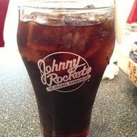 Photo taken at Johnny Rockets by Rashid A. on 5/16/2013