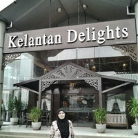 Photo taken at Kelantan Delights by UmiAbiNini on 10/22/2014