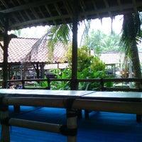 Foto diambil di Moro Lejar Restaurant oleh Nestri P. pada 11/3/2013