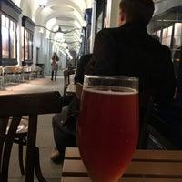 Das Foto wurde bei The London Beer House von Edd H. am 10/9/2017 aufgenommen