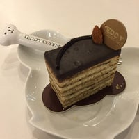 Photo taken at Teddy Coffee by Siu S. on 2/23/2015