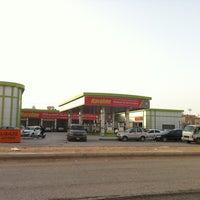 Photo taken at محطة الجمعان لخدمات السيارات by Majed A. on 5/17/2013