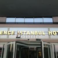 Foto tirada no(a) Silence Hotels Istanbul por Ahmet Y. em 7/25/2013