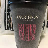 Photo taken at FAUCHON (フォション) 御殿場プレミアムアウトレット店 by Bong M. on 4/10/2017