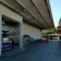 Снимок сделан в Costco Food Court пользователем Joe 1/28/2017