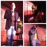 Foto tirada no(a) Comedy Cellar por Jordan S. em 11/7/2012