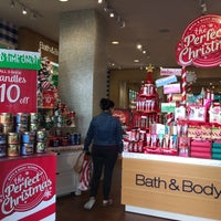 Photo taken at Bath & Body Works by Arina on 11/8/2016