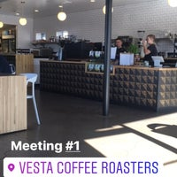 Foto tirada no(a) Vesta Coffee Roasters por William Y. em 9/27/2017