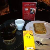 Photo taken at Highlands Coffee by ArniMMur on 8/24/2013