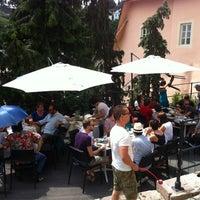 7/7/2013 tarihinde Vladisko Č.ziyaretçi tarafından Art Cafe'de çekilen fotoğraf