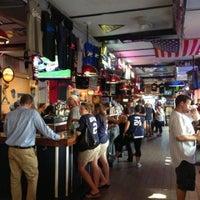 Foto tirada no(a) Stan's Sports Bar por David C. em 7/8/2013