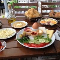 Foto tomada en Bikahvaltı por Ilker I. el 10/22/2013