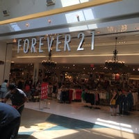 Photo taken at Forever 21 by Javier R. on 7/6/2016