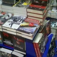 Photo taken at Librerías Crisol by Kris O. on 2/14/2013