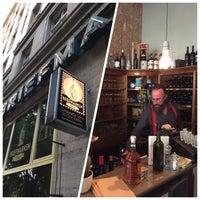 Das Foto wurde bei Briefmarken Weine - Grande Vini Piccola Cucina von martijn s. am 5/21/2015 aufgenommen