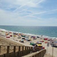 Photo taken at Praia De Maceda by Delfim B. on 8/23/2014