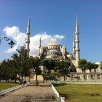 Foto diambil di Sultanahmet Meydanı oleh Onur T. pada 8/6/2013