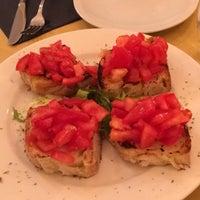 Foto scattata a Origano - cucina, pizza, caffè da George . il 5/15/2017