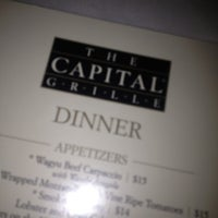 Foto tomada en The Capital Grille  por Sandra E. el 12/9/2012