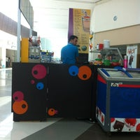 Photo taken at Booba Boom Plaza Las Americas by Chabely A. on 9/10/2013