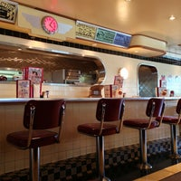Photo taken at Ruby's Diner by Hiroshi ♛ on 3/19/2013