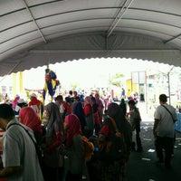 Photo taken at Jabatan Kesihatan Negeri Perlis by Aisya F. on 9/24/2016