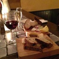 Foto diambil di Porsena Extra Bar oleh Laura B. pada 12/16/2012