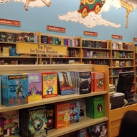 Photo taken at Barnes & Noble by Erin Q. on 9/29/2013