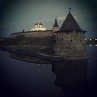 Снимок сделан в Псковский Кром (Кремль) / Pskov Krom (Kremlin) пользователем Bloomberg D 6/24/2013