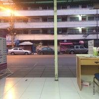 ... รูปภาพถ่ายที่ ท่ารถตู้เพชรบุรี-กทม. สาย73 โดย Chpoo p ...