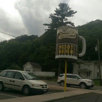 Photo taken at The Drive In Restaurant by Xmodem R. on 7/11/2015