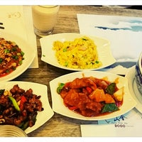 Photo taken at Jiang Shan Hui Chinese Cuisine 江山薈京川滬菜館 by Casper L. on 2/4/2014