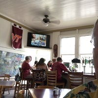 Photo taken at Hanalei Gourmet by John L. on 4/15/2017