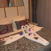 Foto scattata a Q Premium Resort Hotel Alanya da Serdar A. G. il 7/2/2013