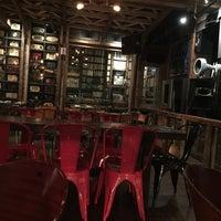 7/28/2017にLily L.がTurntable LP Bar & Karaokeで撮った写真