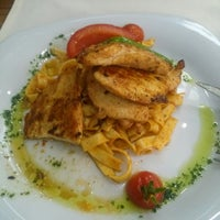 Photo taken at 2Z Kafe Restoran by Yasemin Derya A. on 9/19/2013