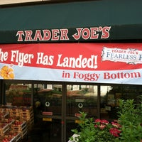 Foto tirada no(a) Trader Joe's por Talmage O. em 6/14/2013