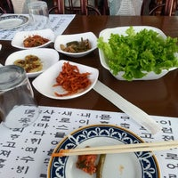 Photo taken at Huwon Restaurante Coreano by Victoria D. on 9/28/2013