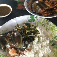 Photo taken at Gerai Belangkas Mahkota by anne n. on 9/17/2016