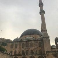 Photo taken at Yeni Mevlid-i Halil Cami-i by Yilmaz Ö. on 4/20/2018