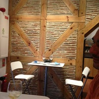 Photo taken at Corvo Azul by Iliana F. on 9/27/2014