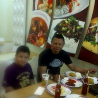 Photo taken at Texas Chicken by Caca C. on 9/14/2013