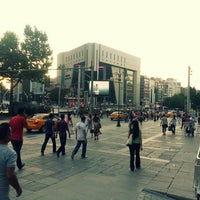 7/12/2013에 Emrah K.님이 Kızılay Meydanı에서 찍은 사진