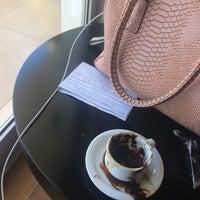 9/22/2017 tarihinde Yesim dilekziyaretçi tarafından Ulu Resort Hotel Lobby Bar'de çekilen fotoğraf