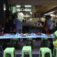 Photo taken at Rashid Mamak Stall, Selangor Mansion by Mahathir M. on 4/6/2013