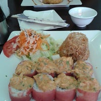 Photo taken at Kashi Sushi & Bar by Alejandra R. on 8/17/2013
